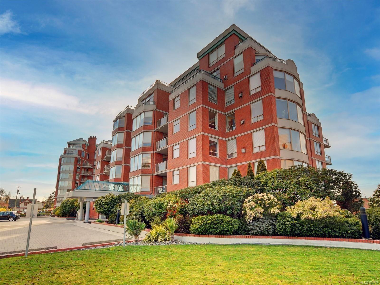 Main Photo: 803 636 MONTREAL St in : Vi James Bay Condo for sale (Victoria)  : MLS®# 871776