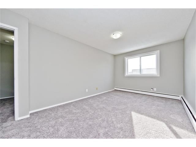 Photo 28: Photos: 118 3809 45 Street SW in Calgary: Glenbrook House for sale : MLS®# C4096404