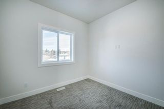 Photo 28: 7940 46 Avenue NW in Calgary: Bowness Semi Detached for sale : MLS®# C4306157