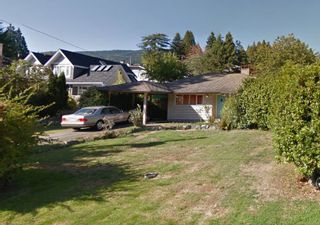 Photo 1: 1385 KINGS Avenue in West Vancouver: Ambleside House for sale : MLS®# R2130328