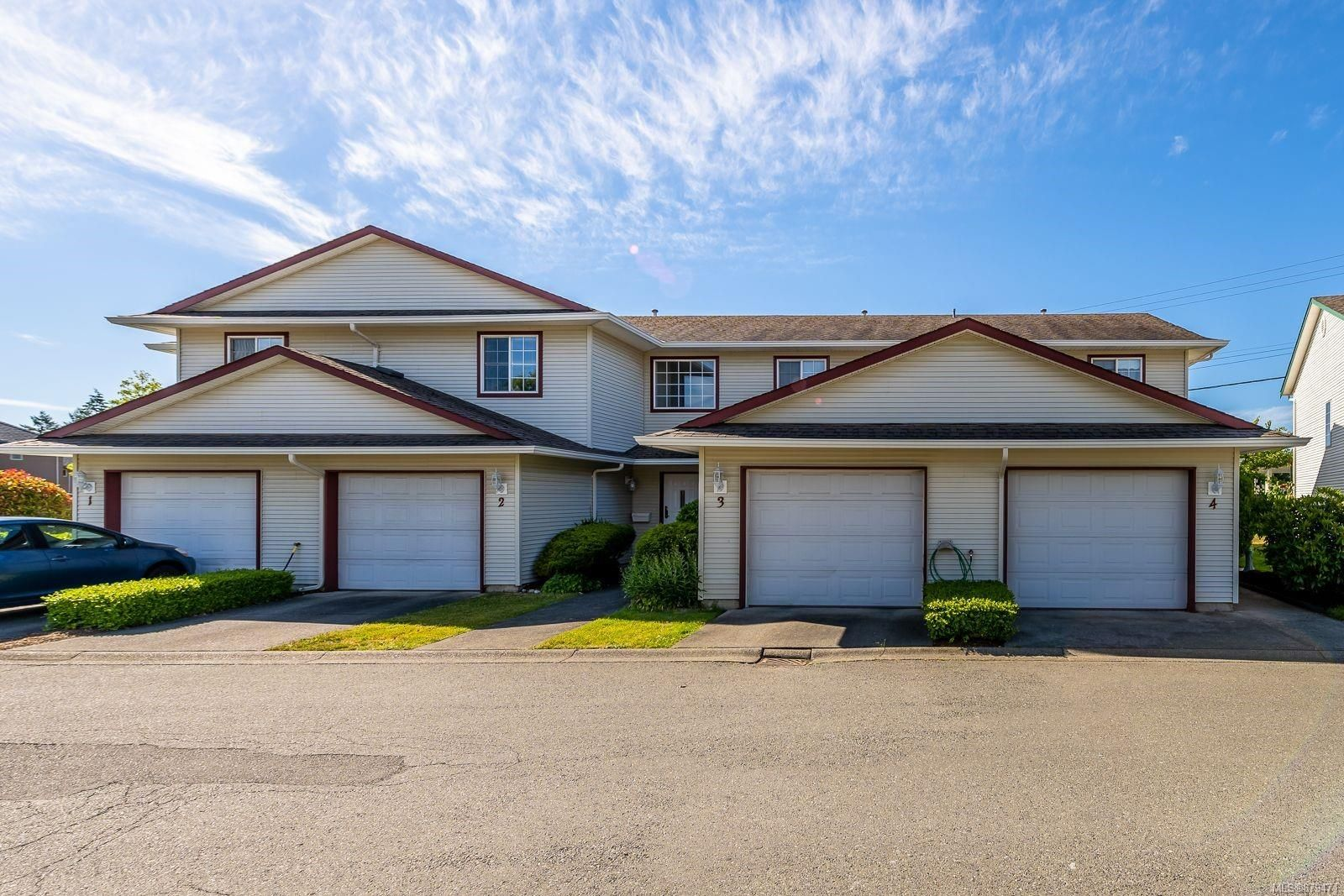 Main Photo: 3 717 Aspen Rd in : CV Comox (Town of) Row/Townhouse for sale (Comox Valley)  : MLS®# 879471
