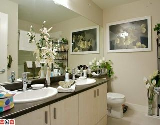"""Photo 7: 47 20326 68TH Avenue in Langley: Willoughby Heights Townhouse for sale in """"SUNPOINTE"""" : MLS®# F1005168"""