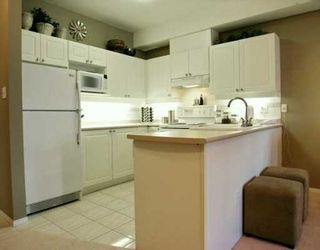 "Photo 3: 105 1591 BOOTH AV in Coquitlam: Maillardville Condo for sale in ""Le Laurentien"" : MLS®# V597842"