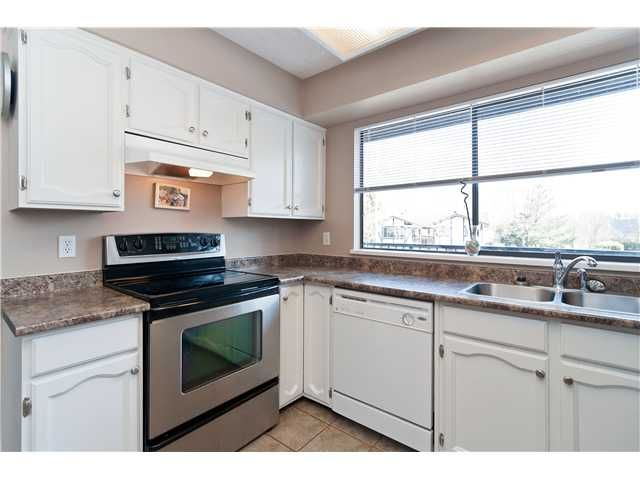 """Photo 2: Photos: 19860 N WILDWOOD Crescent in Pitt Meadows: South Meadows House for sale in """"WILDWOOD"""" : MLS®# V995390"""