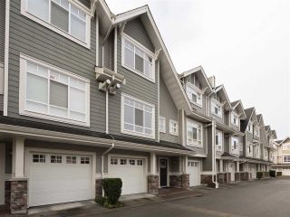 "Photo 1: 3280 CLERMONT Mews in Vancouver: Champlain Heights Townhouse for sale in ""Bordeaux"" (Vancouver East)  : MLS®# R2339931"