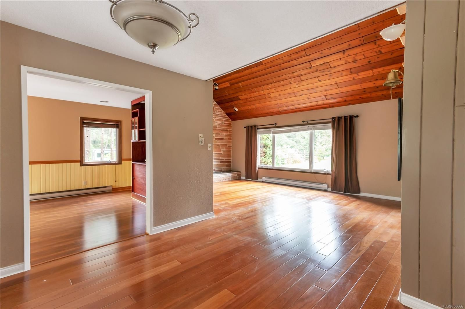Photo 17: Photos: 2468 Oakes Rd in : CV Merville Black Creek House for sale (Comox Valley)  : MLS®# 856666