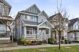 Photo 2: 6768 191A Street in Surrey: Clayton House for sale (Cloverdale)  : MLS®# R2246245