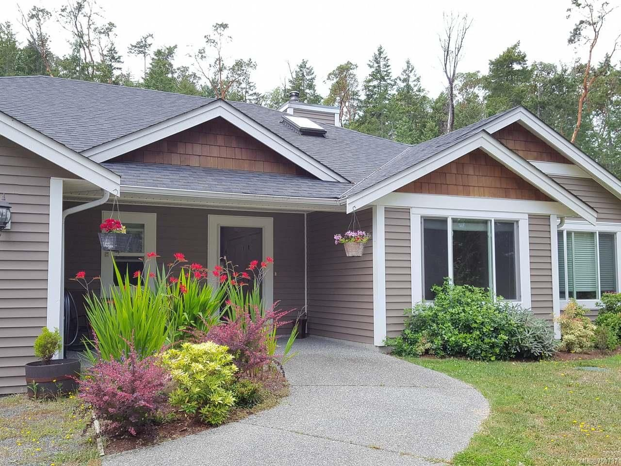 Main Photo: 1960 Rena Rd in NANOOSE BAY: PQ Nanoose House for sale (Parksville/Qualicum)  : MLS®# 759737