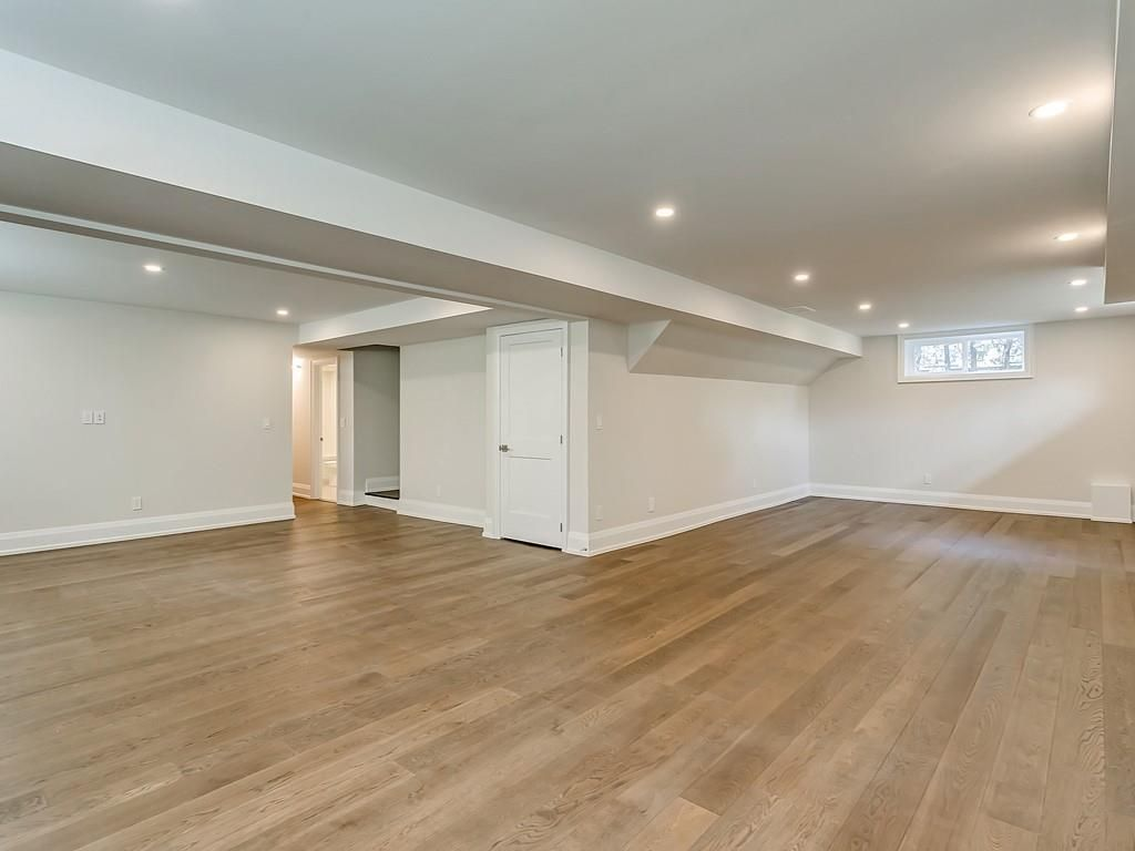 Photo 29: Photos: 2226 COURTLAND Drive in Burlington: Residential for sale : MLS®# H4062761