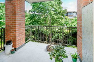 """Photo 13: 212 2280 WESBROOK Mall in Vancouver: University VW Condo for sale in """"KEATS HALL"""" (Vancouver West)  : MLS®# R2275329"""