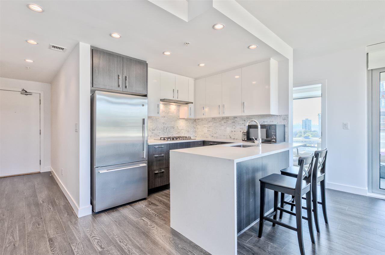 Main Photo: 604 518 WHITING WAY in Coquitlam: Coquitlam West Condo for sale : MLS®# R2494120