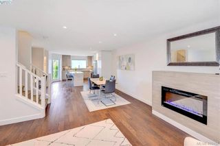 Photo 5: 6 1032 Cloverdale Ave in VICTORIA: SE Quadra Row/Townhouse for sale (Saanich East)  : MLS®# 805057