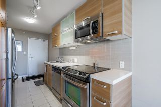 """Photo 5: 2105 9981 WHALLEY Boulevard in Surrey: Whalley Condo for sale in """"PARK PLACE"""" (North Surrey)  : MLS®# R2597250"""