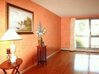 "Photo 3: # 124 - 8411 Ackroyd Road in Richmond: Brighouse Condo for sale in ""Lexington Square"" : MLS®# V603576"