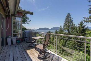 """Photo 38: 8561 SEASCAPE Lane in West Vancouver: Howe Sound Townhouse for sale in """"Seascapes"""" : MLS®# R2533787"""