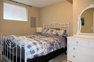 Photo 16: 18559 67A Avenue in Surrey: Cloverdale BC House for sale (Cloverdale)  : MLS®# R2474042