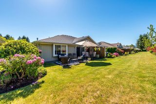 Photo 2: 116 1919 St. Andrews Pl in : CV Courtenay East Row/Townhouse for sale (Comox Valley)  : MLS®# 877870