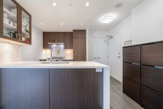"""Photo 8: 2507 5665 BOUNDARY Road in Vancouver: Collingwood VE Condo for sale in """"WALL CENTRE CENTRAL PARK SOUTH"""" (Vancouver East)  : MLS®# R2539277"""