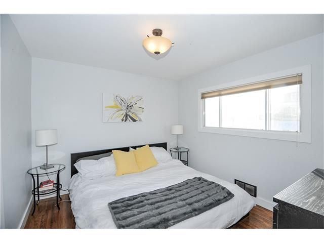 Photo 7: Photos: 1912 GLENWOOD Drive SW in Calgary: Glendale House for sale : MLS®# C4093243