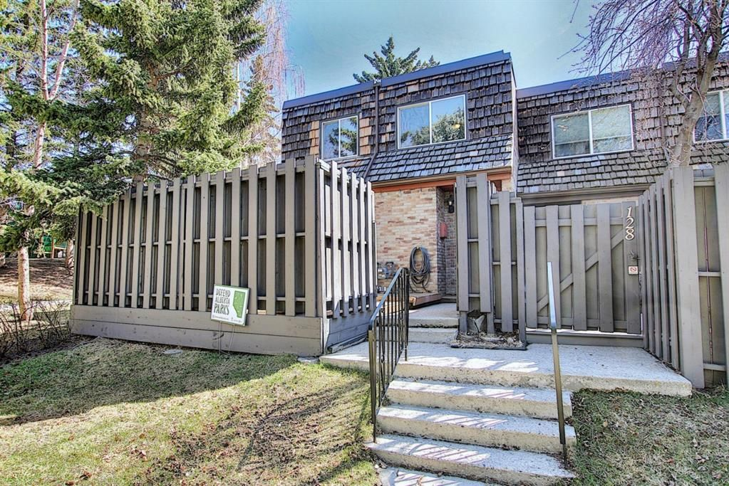 Main Photo: 129 210 86 Avenue SE in Calgary: Acadia Row/Townhouse for sale : MLS®# A1121767
