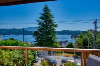 Photo 4: 517 SOUTH FLETCHER Street in Gibsons: Gibsons & Area House for sale (Sunshine Coast)  : MLS®# R2599686