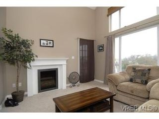 Photo 2: 407 2823 Jacklin Rd in VICTORIA: La Langford Proper Condo for sale (Langford)  : MLS®# 520388