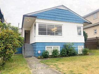 Photo 1: 3744 LINWOOD Street in Burnaby: Burnaby Hospital House for sale (Burnaby South)  : MLS®# R2603396