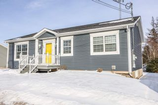 Photo 2: 475 Young Street in Truro: 104-Truro/Bible Hill/Brookfield Residential for sale (Northern Region)  : MLS®# 202102890