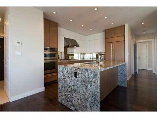 """Photo 10: 3302 2077 ROSSER Avenue in Burnaby: Brentwood Park Condo for sale in """"VANTAGE"""" (Burnaby North)  : MLS®# V1084856"""