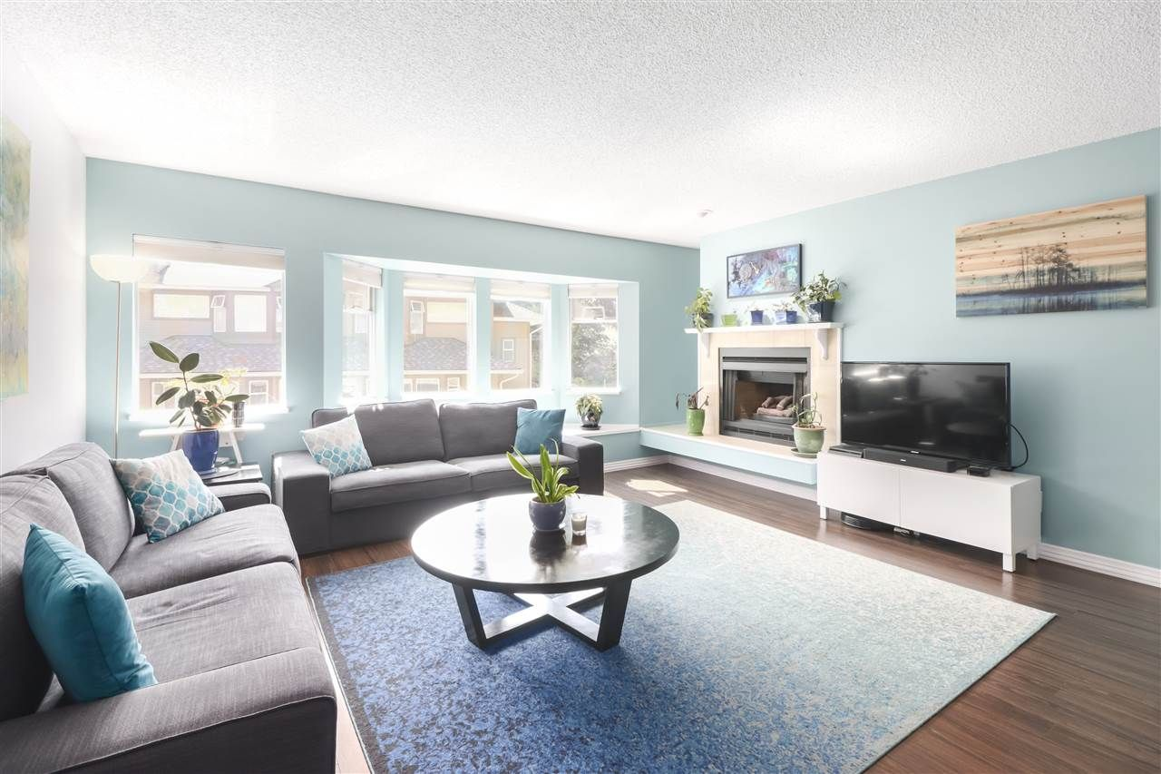 """Photo 7: Photos: 8881 LARKFIELD Drive in Burnaby: Forest Hills BN Townhouse for sale in """"PRIMROSE HILL"""" (Burnaby North)  : MLS®# R2494951"""