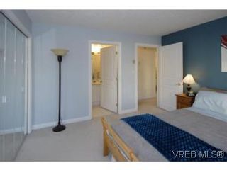 Photo 8: 301 1580 Christmas Ave in VICTORIA: SE Mt Tolmie Condo for sale (Saanich East)  : MLS®# 489978