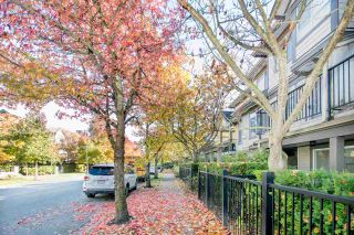 """Photo 2: 14 6300 ALDER Street in Richmond: McLennan North Townhouse for sale in """"The HAMPTONS by Cressey"""" : MLS®# R2217953"""