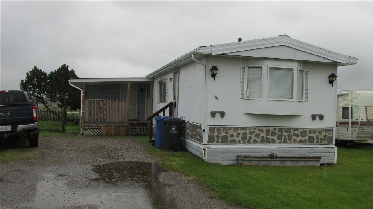 """Main Photo: 102 8420 ALASKA Road in Fort St. John: Fort St. John - City SE Manufactured Home for sale in """"Peace Country Mobile Home Park"""" (Fort St. John (Zone 60))  : MLS®# R2397195"""