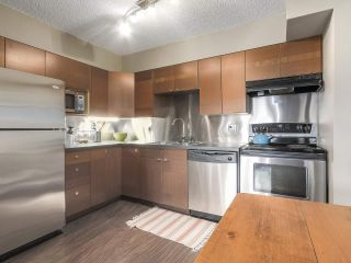 Photo 8: 202 111 W 10TH Avenue in Vancouver: Mount Pleasant VW Condo for sale (Vancouver West)  : MLS®# R2208429