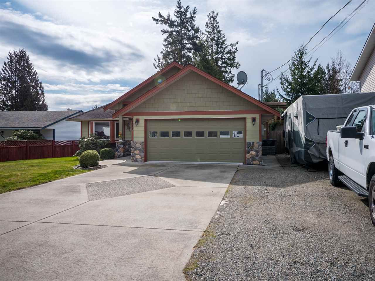 Photo 2: Photos: 6335 PICADILLY Place in Sechelt: Sechelt District House for sale (Sunshine Coast)  : MLS®# R2248834