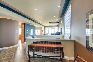 Photo 2: 15118 ROYAL Avenue: White Rock House for sale (South Surrey White Rock)  : MLS®# R2033445