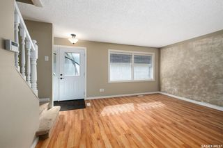 Photo 4: 35 120 Acadia Drive in Saskatoon: West College Park Residential for sale : MLS®# SK850229