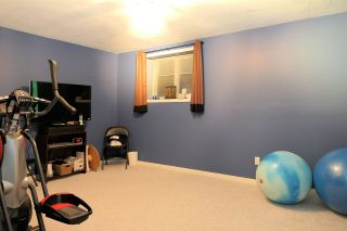 """Photo 15: 18343 68 Avenue in Surrey: Cloverdale BC House for sale in """"Cloverwoods"""" (Cloverdale)  : MLS®# R2441662"""