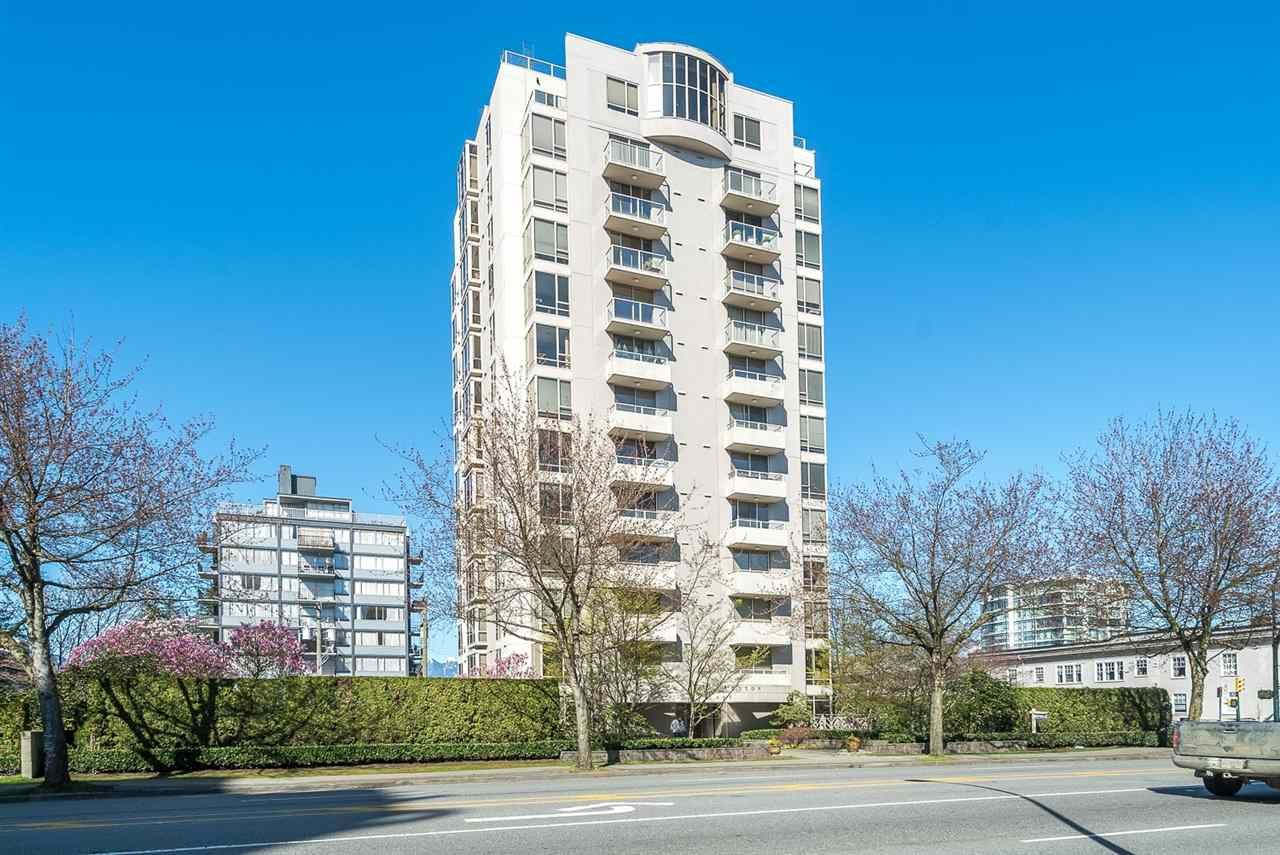 """Main Photo: 901 1405 W 12TH Avenue in Vancouver: Fairview VW Condo for sale in """"THE WARRENTON"""" (Vancouver West)  : MLS®# R2053078"""