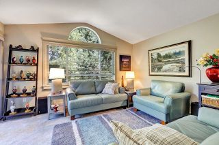 """Photo 15: 402 15991 THRIFT Avenue: White Rock Condo for sale in """"Arcadian"""" (South Surrey White Rock)  : MLS®# R2621325"""
