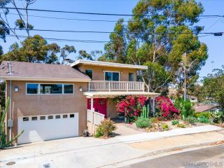 Photo 3: BAY PARK House for sale : 4 bedrooms : 3636 Mount Laurence Dr in San Diego