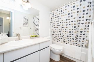 "Photo 15: 102 2336 WALL Street in Vancouver: Hastings Condo for sale in ""HARBOUR SHORES"" (Vancouver East)  : MLS®# R2271901"