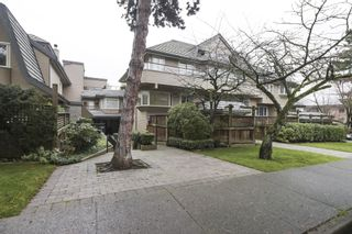 """Photo 17: 2411 W 1ST Avenue in Vancouver: Kitsilano Townhouse for sale in """"BAYSIDE MANOR"""" (Vancouver West)  : MLS®# R2408792"""
