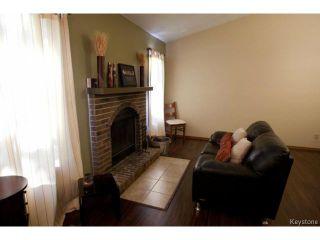 Photo 3: 213 Red Oak Drive in WINNIPEG: North Kildonan Residential for sale (North East Winnipeg)  : MLS®# 1320584