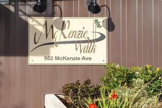 Photo 2: 309 982 McKenzie Ave in VICTORIA: SE Quadra Condo for sale (Saanich East)  : MLS®# 780785