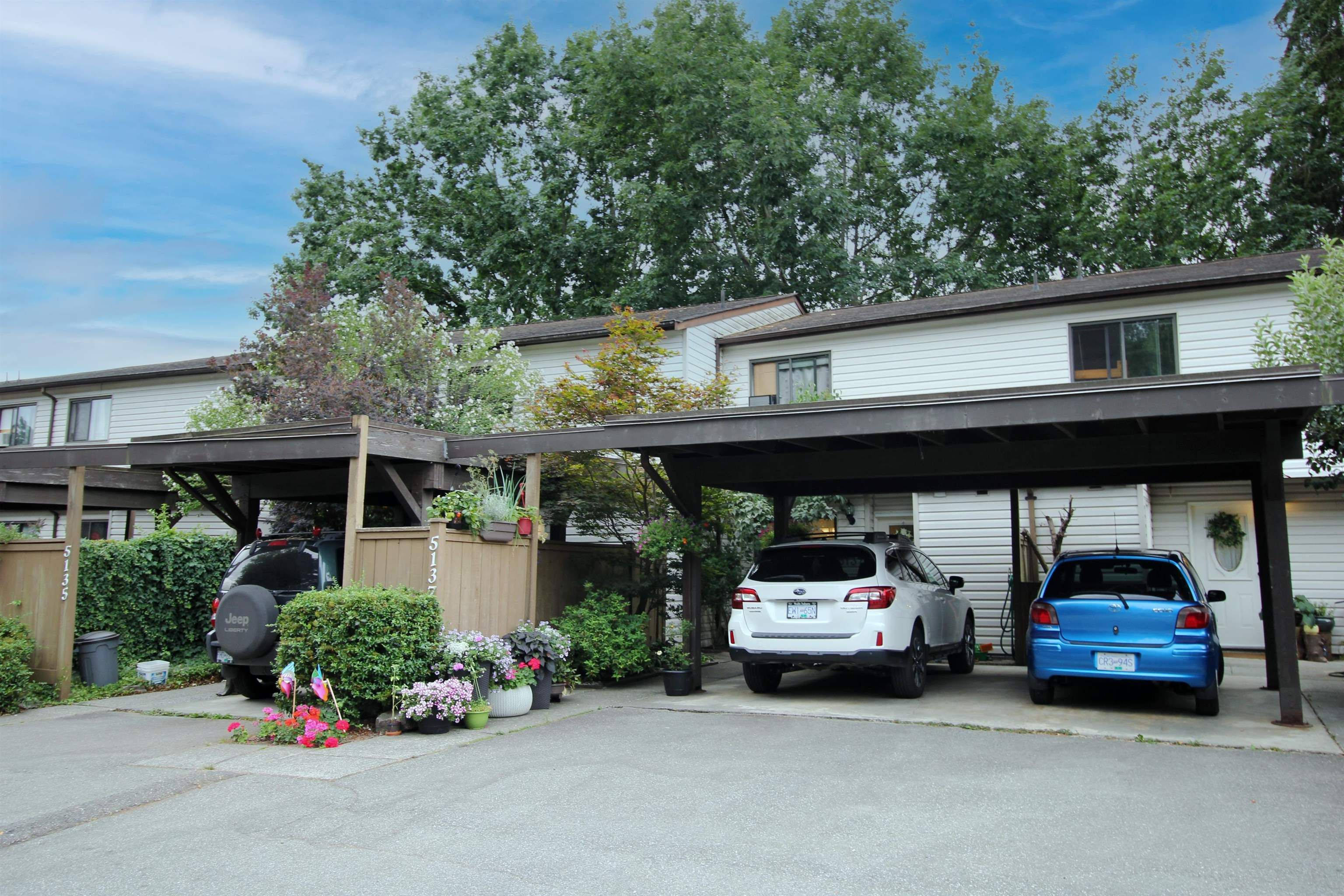 """Main Photo: 5137 203 Street in Langley: Langley City Townhouse for sale in """"Longlea Estates"""" : MLS®# R2609722"""