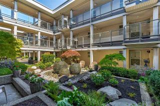 """Photo 2: 304 15255 18 Avenue in Surrey: King George Corridor Condo for sale in """"The Courtyards"""" (South Surrey White Rock)  : MLS®# R2574709"""