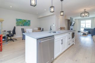 Photo 14: 107 2990 Burlington Cres in : La Westhills Row/Townhouse for sale (Langford)  : MLS®# 882170