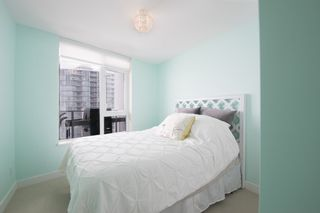 """Photo 19: 1012 668 COLUMBIA Street in New Westminster: Quay Condo for sale in """"TRAPP + HOLBROOK"""" : MLS®# R2137000"""