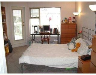 """Photo 6: 406 74 RICHMOND ST in New Westminster: Fraserview NW Condo for sale in """"Governors Court Apartments"""" : MLS®# V573054"""